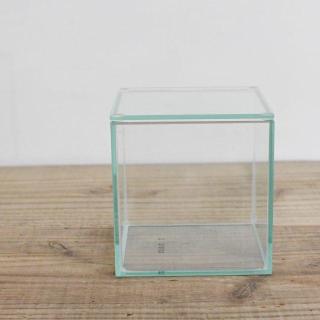 通気のあるガラス容器